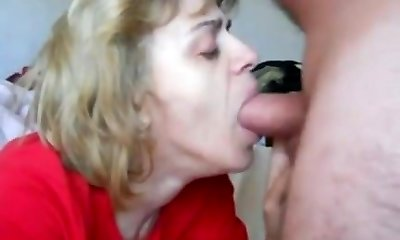 mummy in mouth-fuck n cum guzzle action