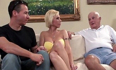 Mature Amateur Assfucked as Husband Sees