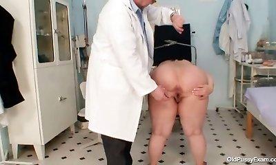 Big tits hefty mom Rosana gyno medic examination