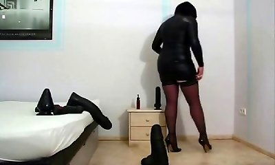 Mature amateur lady with extraordinary toys
