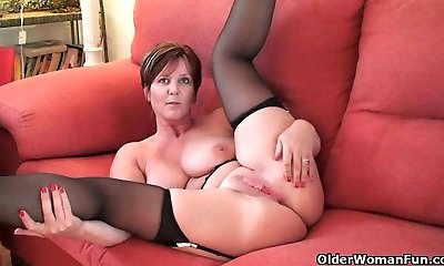 British greatest milf Joy exposes her natural beauty