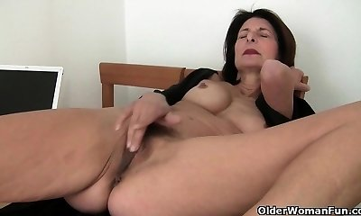 Porn will get mom's beaver appetizing