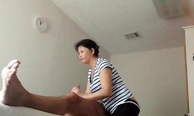 Mature Woman Rubdown