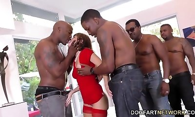 Birthday Gang-fuck with Jaw-dropping Mom Alana Cruise