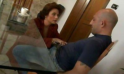 Mature Segretary Go Naughty For Italian Big Cocks - Anal S88