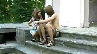 noorte duo väljas nael