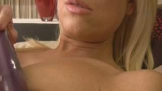 Nádherné blond sexbomba, Lena Cova Masturbace