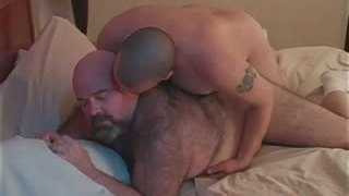 Grande culo gay orsi Dirk Grizzly e Chase part4