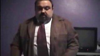 abielus mees imeda karu (prantsuse video)