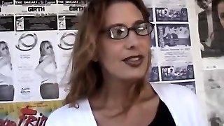 pruun karvane milf koos lugemise prillid boinked raske