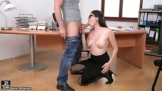 Sexually charged cutie Franceska Dicaprio is fucked in her gorgeous arse fuck hole