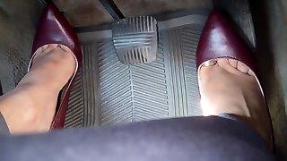 počas jazdy vo vysokej poltopánková obuv