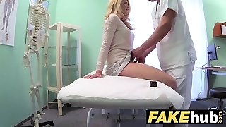 Fake Hospital Dirty medic gives blonde Czech babe raw pants