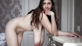 Large natural suspending tits - Riesen Euter - spy cam