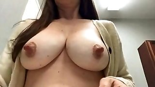mommas nipples are amazing