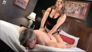 Muscle Goddess BrandiMae Trains Dirty Old Dude Lesson #2