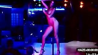 de-robe club private show end priate fuck