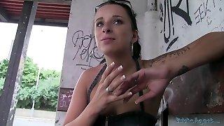 publicagent ceca tatuato stunner devastazioni sulla strada per il denaro