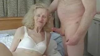 Amatöör kole vanaema saab tagus rumal