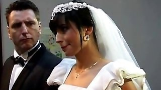 레 짙은 색조-잔인한 결혼식