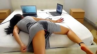 She ass fucked herself to bed