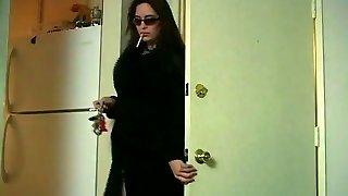 Cougar Miss Taylor smoking & kneading