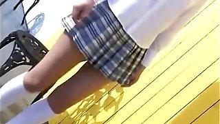 Japán iskoláslány egyenruhában