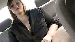 Big brunette drains in her car