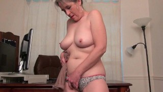 Old secretary Kelli unwraps off and fingers her hairy poon