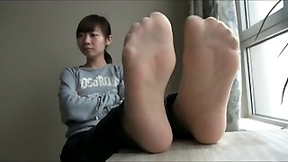 japanese nylon and nude feet n soles