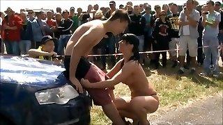 Car-wash girl gets nude