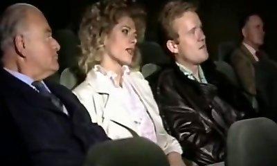 זימה זוג בקולנוע