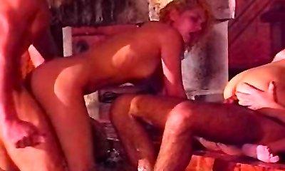 Oldschool group sex pool action