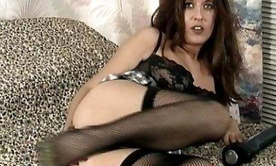 Vintage MILF in ebony underwear and stockings