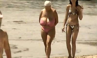 Retro xxl tits mingle on Russian beach