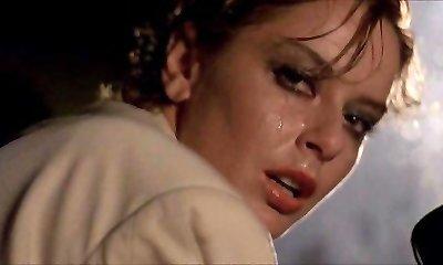 Scandalosa גנערה (1985) נבגד ארוטי