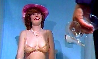 רטרו החיוור שעיר ה-80 סגנון אינסטלציה במקלחת