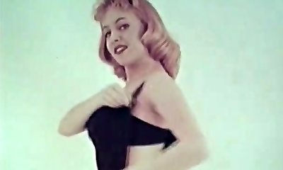 Steamy Sweetie Shows Us Her Tight Assets (1950s Vintage)