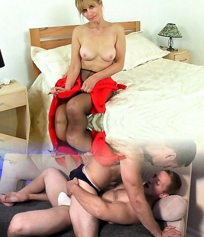 UK cougar Ila Jane rips fuck holes in her pantyhose