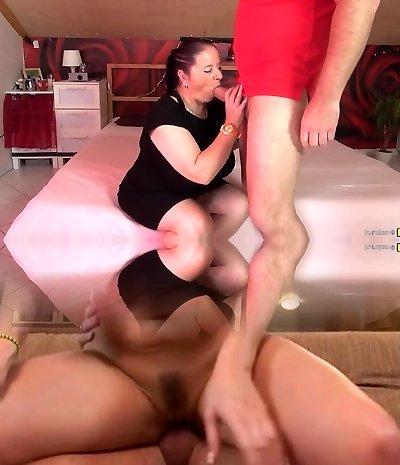 Mature chubby mom suck and fuck gigantic manhood