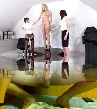 Lady Sonia-Shemale orgy