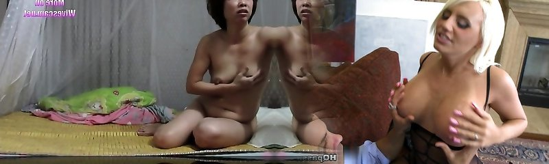 Chinese unexperienced milf  showing off on cam