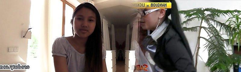 Thai teenie dildo and orgasm