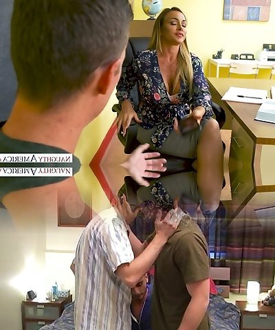 Pretty fervent Australian beauty Aubrey Ebony gets bashed missionary style