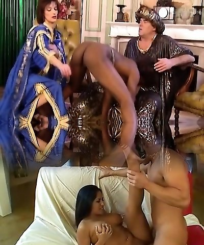 African Hoe Blows And Gets Fisted In 3some
