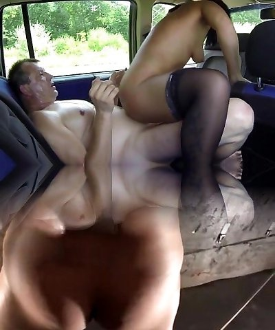 Intercourse With Real Mega-bitch In The Car