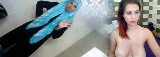 Sexy Arab College Student Unsheathes Her Assets To BF