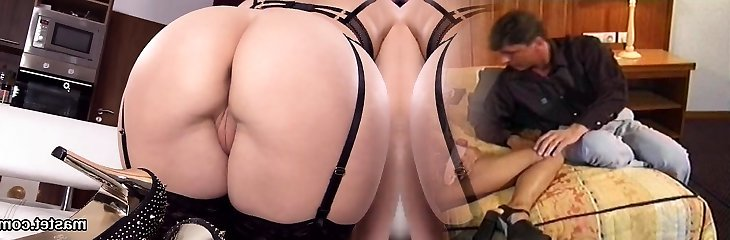 Foxy czech girl opens up her humid poon to the peculiar21qif