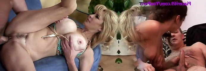 Thirsty mommy Tara Moon makes her boy ejaculate