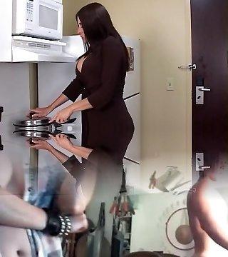 Curvy brunette MILF takes dark-hued cock and facial cumshot in motel room